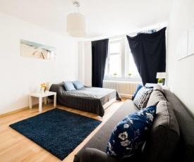 3 Rooms BIG Apartment - 150 m Town Hall - Nice Design
