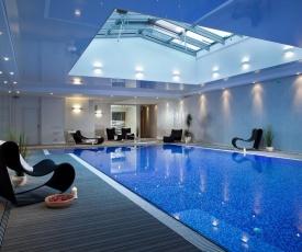 Waterlane Marina by Live & Travel Apartments