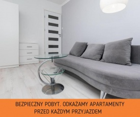 Apartment Grzybowska by Renters