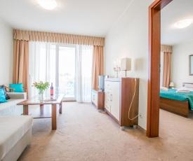 Senlux Apartments