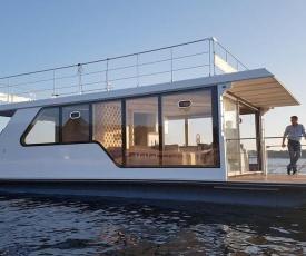Sunrise Houseboat
