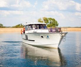 Jacht motorowy Nautika 1300 Exc